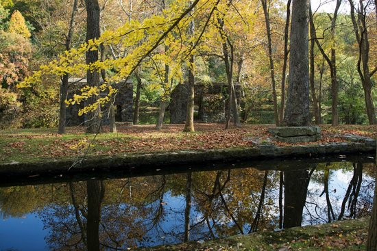 Hagley Museum and Library : Mill race in the fall