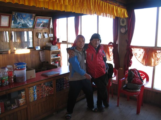 Hot Stimulating Cafe: Sherpa Chalet Lodge, Sandakphu