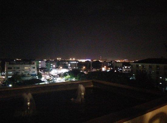 Suvarnabhumi Suite Airport Hotel : view from restaurant