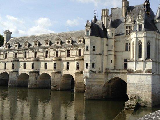 Riverloire - Loire Valley Day Tours : Chenonceau Castle