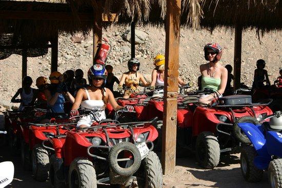 Canyon Motor Safaris : getting ready to start the trip