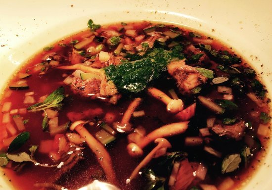 Cistin Eile : Clearistown Oxtail Consomme, Fanci Fungi & Wild Garlic
