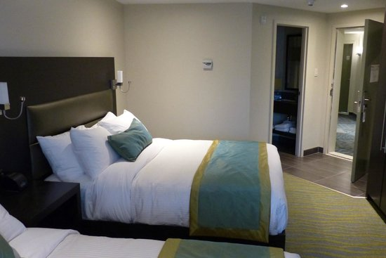 Best Western plus hotel levesque : Bedroom