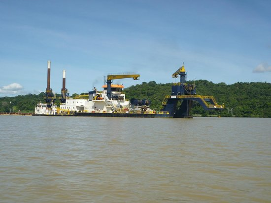 Jungle Land Panama Floating Lodge: Panama Canal