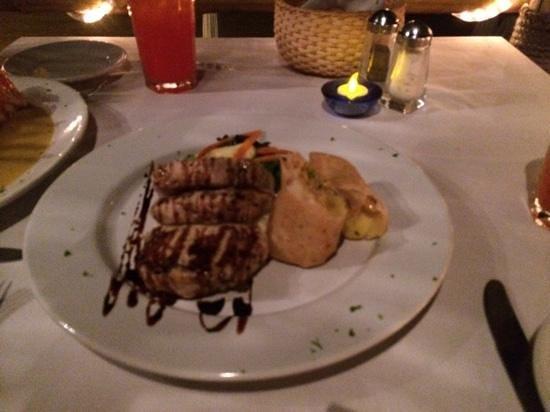 Oasis Ocean Club : delightful pork entree