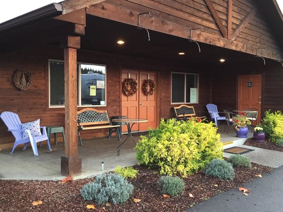 GilGal Oasis RV Park : Office and clubhouse