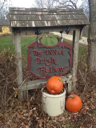 garden picture of the inn at irish hollow galena