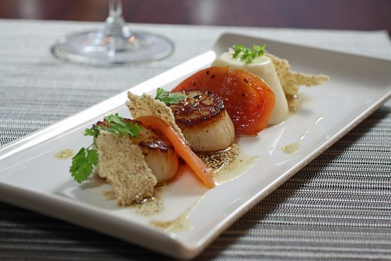 Seared Hokkaido Scallops with Shaved Fennel and Pan Sauce