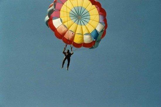 STEIGENBERGER Kantaoui Bay: All'Imperial Maharaba si vola anche con il paracadute, fantastico!!! Emanuele Carioti