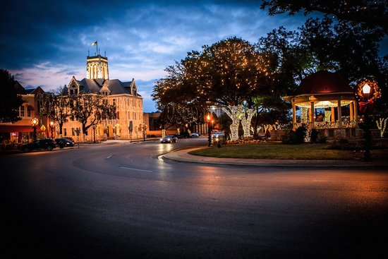 Downtown New Braunfels Holiday Lights - Downtown New Braunfels Holiday Lights - Picture Of New Braunfels