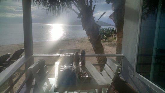 Da Kanda Villa Beach Resort : por do sol beachfront villa