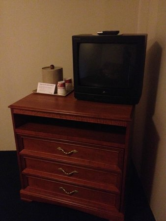 Ramada Middletown Newport Area: TV