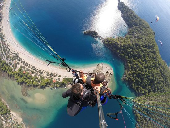 Oludeniz : Paragliding - View of Blue Lagoon
