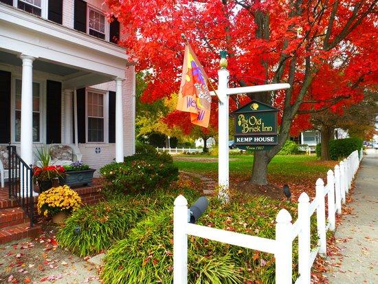 The Old Brick Inn: Fall at the Kemp House