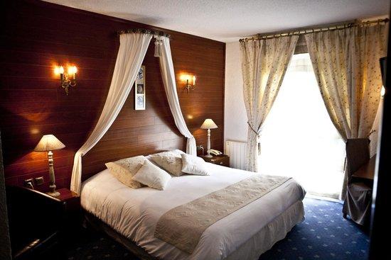 Hôtel Le Branhoc Logis Brit Hotel : Chambre avec vue sur le parc
