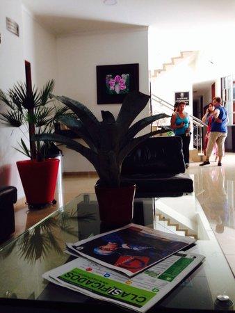 Hotel Sauces del Estadio: Lobby del hotel  Si requieres un lugar para dormir, limpio, sin servicios adicionales que no va