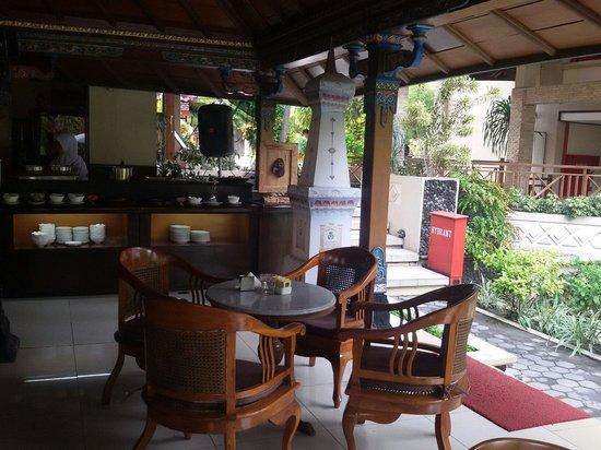 The Jayakarta Yogyakarta Hotel & Spa: Restaurant