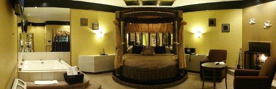 Inn of the Dove - Bensalem: Asian suite
