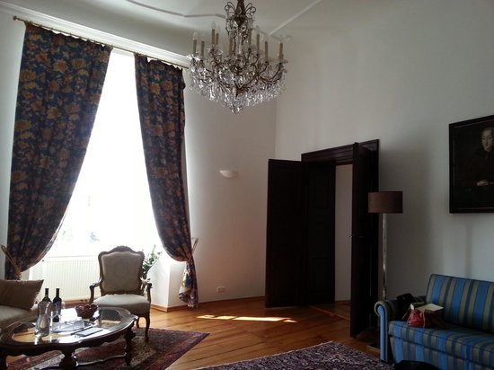 Schlosshotel Mailberg : Wohnzimmer der Suite