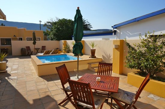 Avalon on Sea Guest House: piscina