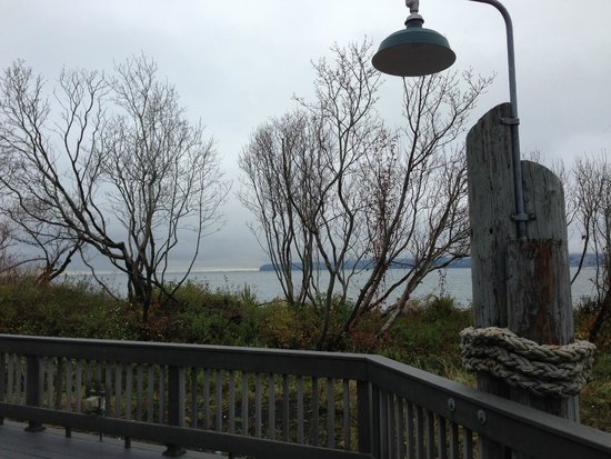 Semiahmoo Resort: on our walk down the beach from the resort