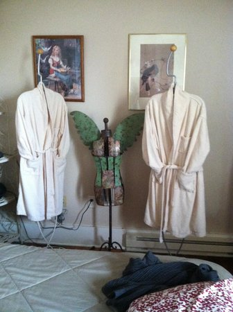 The Broadway Hotel: snuggly robes!