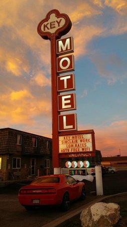 Rawlins Western Lodge : The iconic Key Motel sign