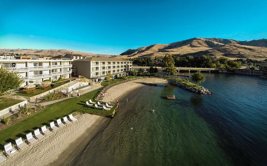 Campbell's Resort on Lake Chelan: Sunny skies