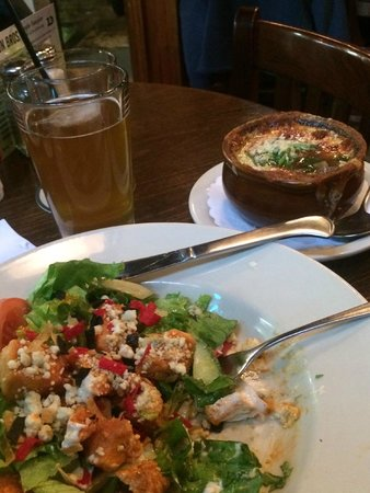 Davidson Brothers Brewing: French Onion & Buffalo Chicken Salad... YUM!