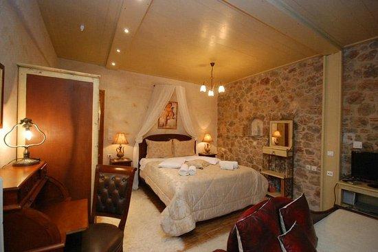 Ampolis Guesthouse