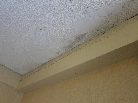 The Abbey Resort & Avani Spa: Second photo of the ceiling of a room on floor one of building two