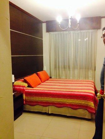 Hotel Iberia: Agradable habitación