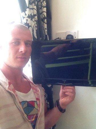 Hotel Sunnyside Newquay: Big tv