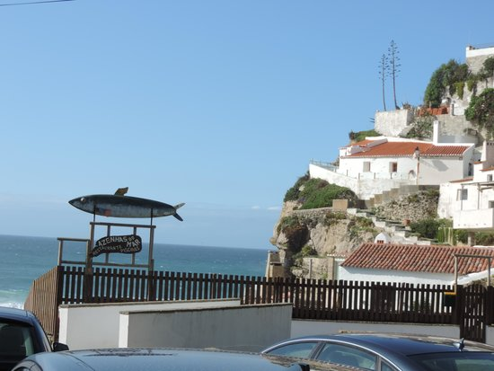 Restaurante das Azenhas: on a cliff overlooking the sea