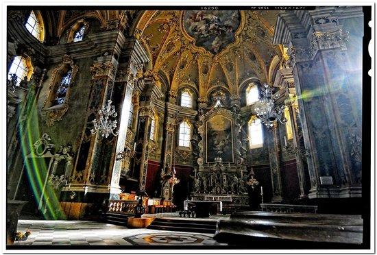 Bressanone, Italia: interni del duomo  5