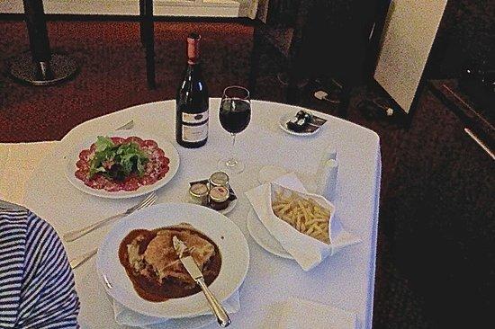 Sheraton Porto Hotel & Spa: Room service