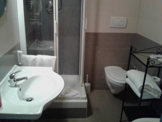 Colors Hotel: bagno
