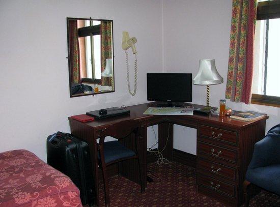 Bristol Hotel: Bedroom