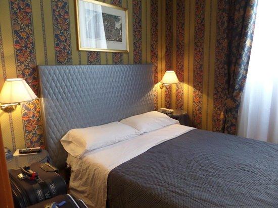 Lirico Hotel: habitacion