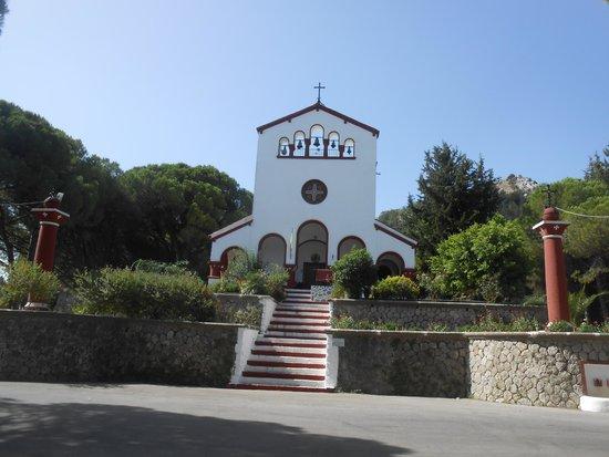 Salakos Otelleri