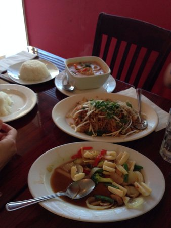 Ricky Thai Bistro: Delicious dinner, great service.