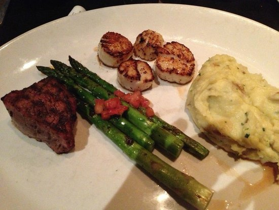 "J. Gilbert's Wood-Fired Steaks & Seafood: Filet/Scallops/Mashed Potato/Asparagus... ""Delish""!!!"