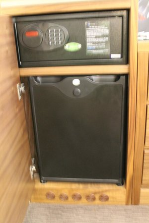 The Norfolk Towers Hotel: safe and fridge