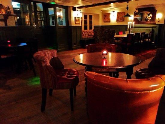 The Thimble Inn: Dining