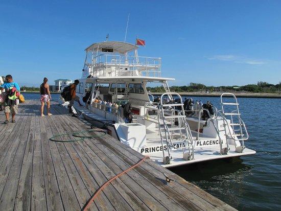 Splash Dive Shop: Dive boat
