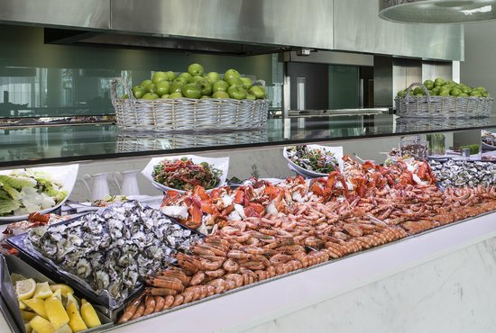 Half Price Seafood Buffet Review Of Terraces Restaurant Main Beach Australia Tripadvisor