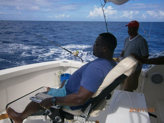 Another boat picture of captain mike 39 s sports fishing for Captain mike fishing