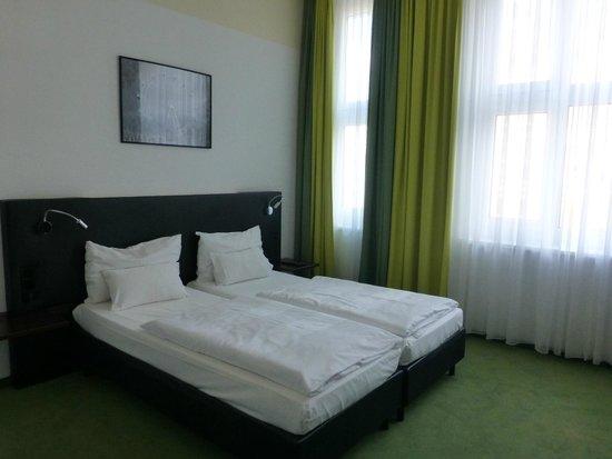 Rainers Hotel Vienna: Cama comoda
