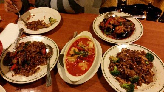 Ya Yaa Thai Cuisine