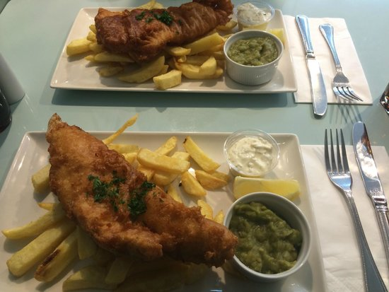 Quinlans Seafood Bar: fish and chips